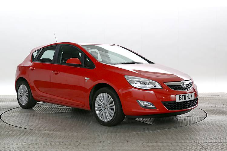 used-red-vauxhall-astra